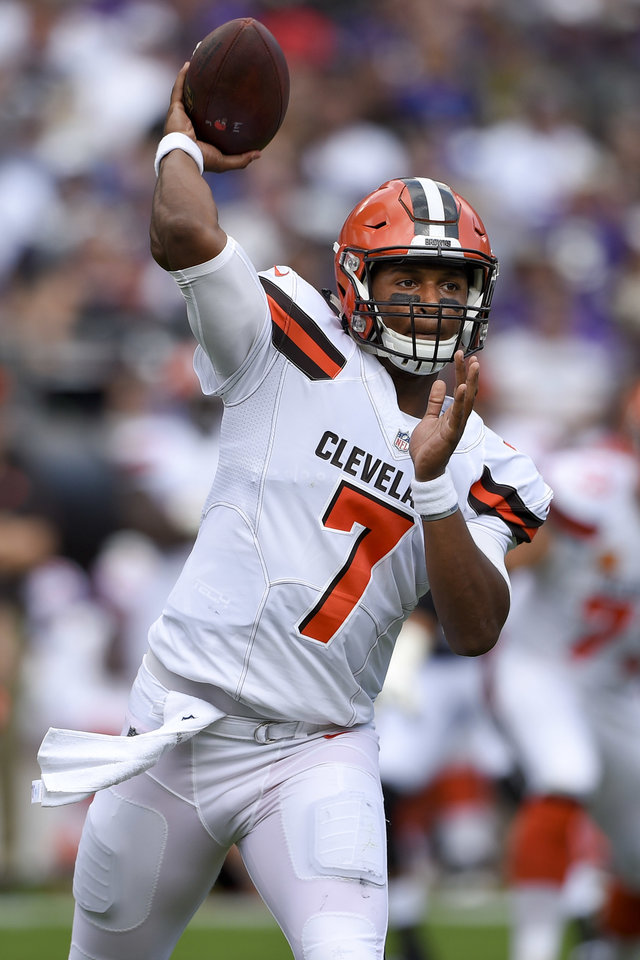 Head Game Browns Qb Kizer Migraine Affected