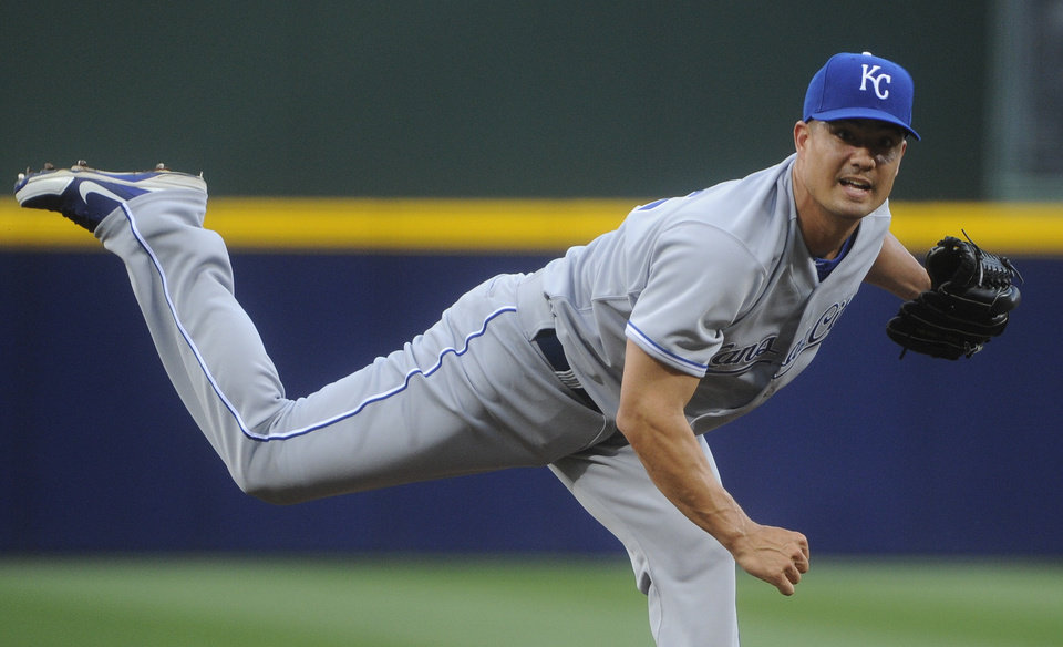 Photo - Kansas City Royals pitcher Jeremy Guthrie delivers in the first inning of a baseball game against the Atlanta Braves, Tuesday, April 16, 2013, in Atlanta. (AP Photo/John Amis)