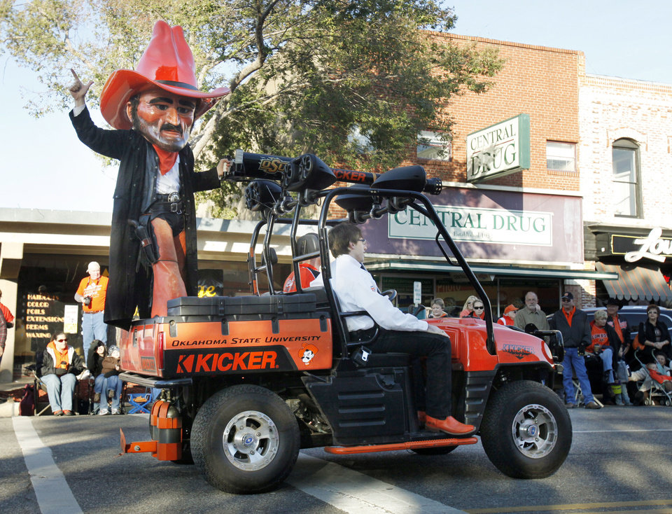 Photo - OSU Mascot Pistol Pete participates in the Oklahoma State Cowboy's homecoming parade in downtown Stillwater, OK, Saturday, Oct. 29, 2011. By Paul Hellstern, The Oklahoman