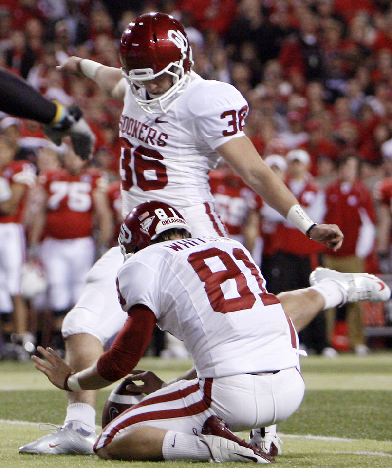 Photo - Oklahoma's Tress Way (36) attempts a field goal during the first half of the college football game between the University of Oklahoma Sooners (OU) and the University of Nebraska Cornhuskers (NU) on Saturday, Nov. 7, 2009, in Lincoln, Neb. Way missed two field goals and had one blocked in the Sooners 10-3 loss to Nebraska.