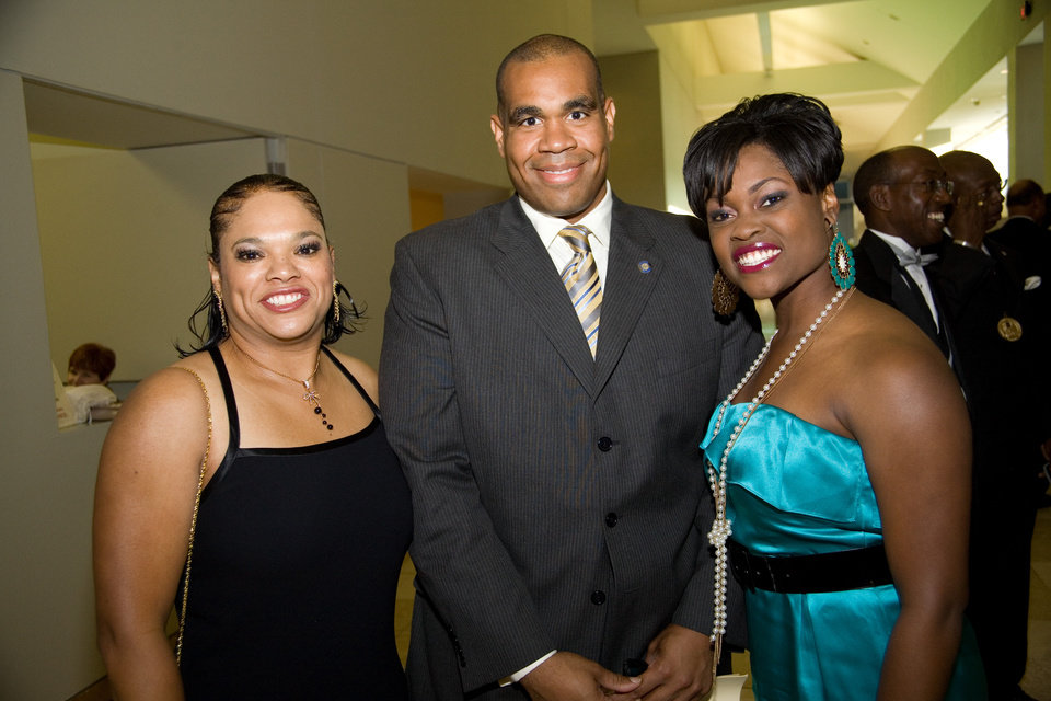 Balerie Thompson, Rep. Jabar Shumate and Anita Blanton