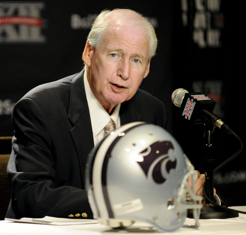 Kansas State head coach Bill Snyder answers questions during NCAA college football Big 12 Media Days, Tuesday, July 26, 2011, in Dallas. (AP Photo/Matt Strasen) ORG XMIT: TXMS112