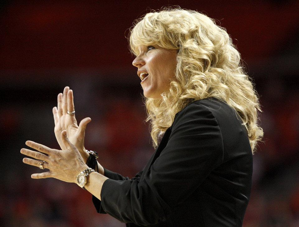 Oklahoma coach Sherri Coale encourages her team during a first round game of the NCAA women\'s basketball tournament between the University of Oklahoma Sooners and the Michigan Wolverines at Lloyd Noble Center in Norman, Okla., Sunday, March 18, 2012. Oklahoma won 88-67. Photo by Bryan Terry, The Oklahoman
