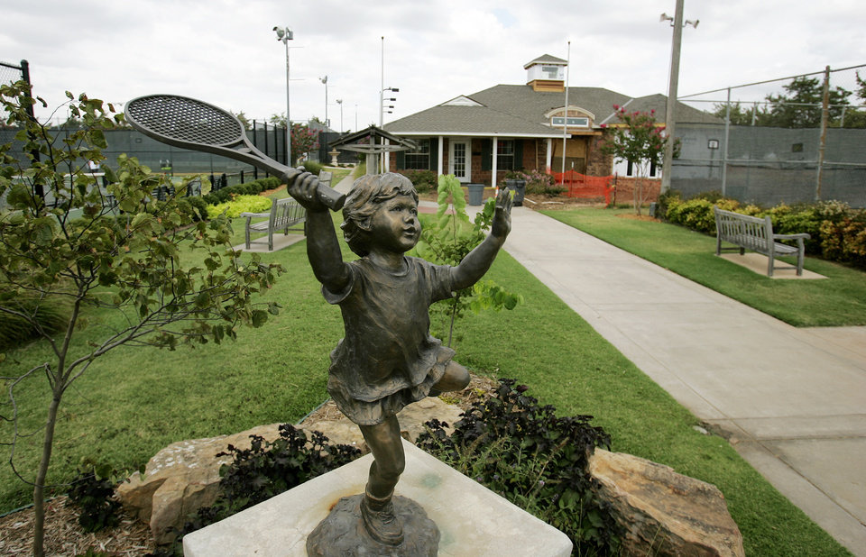 Tennis statue at Westwood Tennis Center in Norman, Ok. Wed. Aug. 6, 2008. BY JACONNA AGUIRRE, THE OKLAHOMAN.