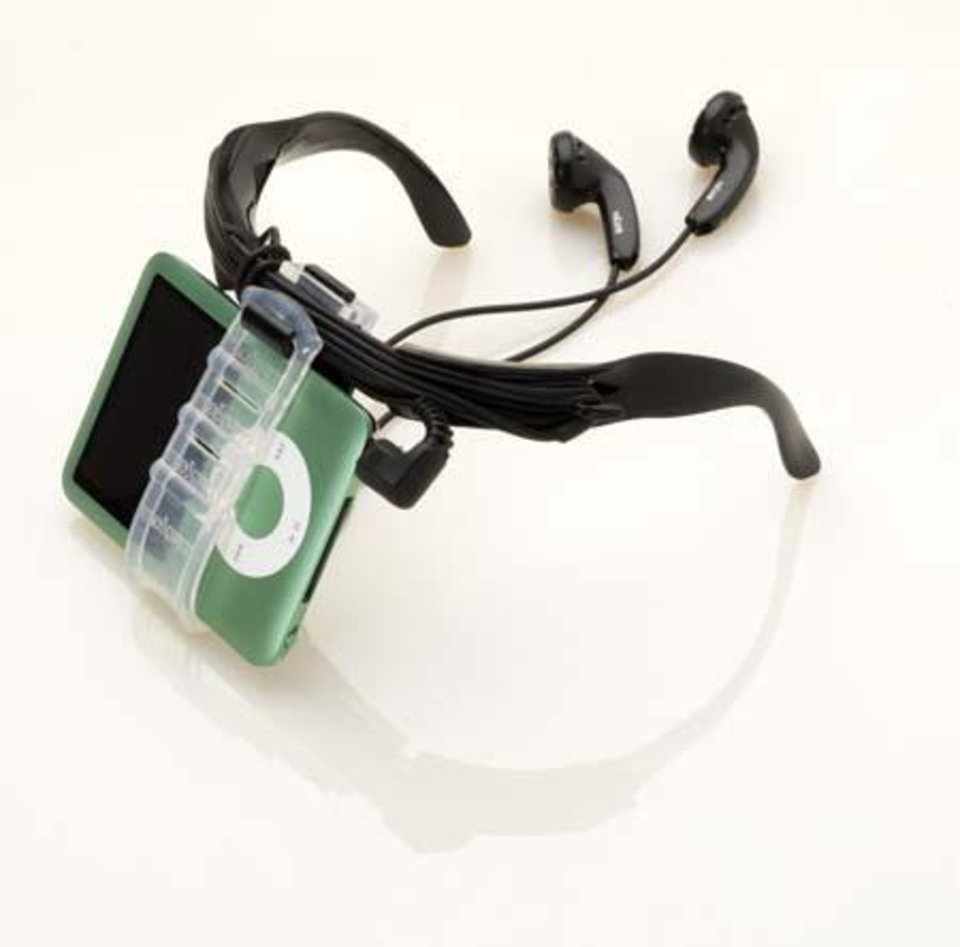 Photo - nekFIT, a behind-the-neck system that holds your iPod out of the way.  ORG XMIT: 0811201834131820