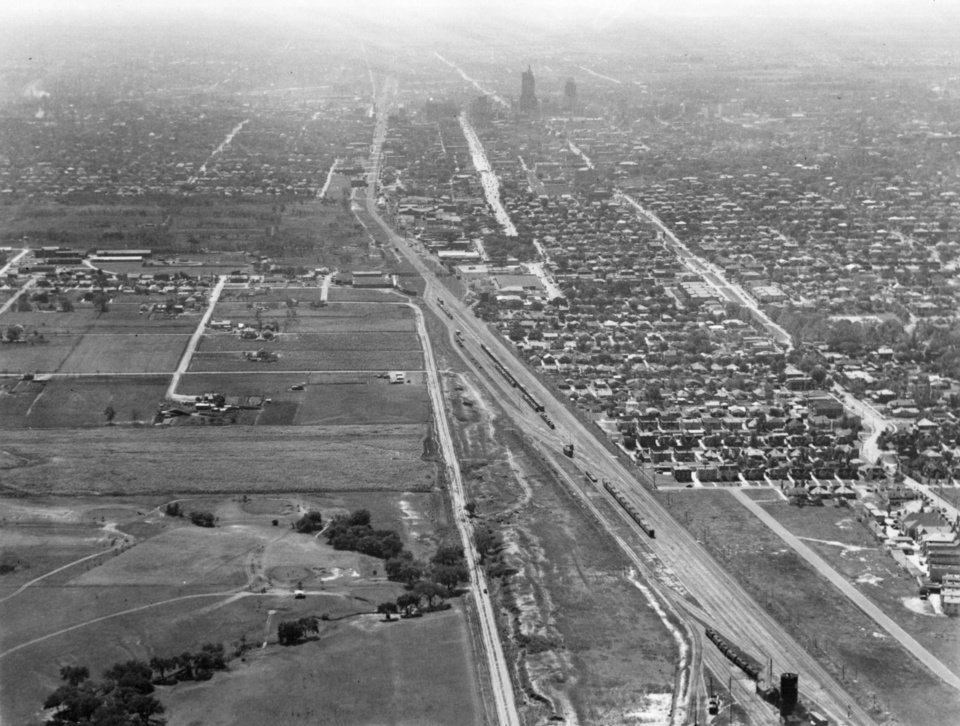 OKLAHOMA CITY / SKY LINE / OKLAHOMA / AERIAL VIEWS / AERIAL PHOTOGRAPHY / AIR VIEWS:  No caption.  Staff photo by Bennie Turner.  Photo undated and unpublished.  Photo arrived in library on 10/30/1935.