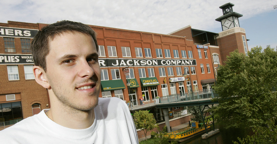 Photo - New Orleans/Oklahoma City Hornets NBA basketball player Bostjan Nachbar poses for a photograph along the Bricktown canal in Oklahoma City, October 19, 2005. By Nate Billings/The Oklahoman