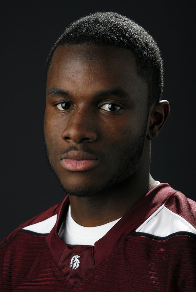 Photo - HIGH SCHOOL FOOTBALL: All State football player Gabe Lynn, Jenks, in the OPUBCO studio, Wednesday, Dec. 17, 2008. BY NATE BILLINGS ORG XMIT: KOD