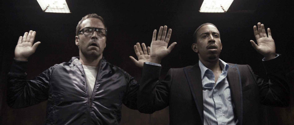 "Photo - (L-R) JEREMY PIVEN as Roman and CHRIS BRIDGES as Mickey in Dark Castle Entertainment's action film ""RocknRolla,"" distributed by Warner Bros. Pictures. PHOTOGRAPHS TO BE USED SOLELY FOR ADVERTISING, PROMOTION, PUBLICITY OR REVIEWS OF THIS SPECIFIC MOTION PICTURE AND TO REMAIN THE PROPERTY OF THE STUDIO. NOT FOR SALE OR REDISTRIBUTION. ORG XMIT: 0810301551073868"