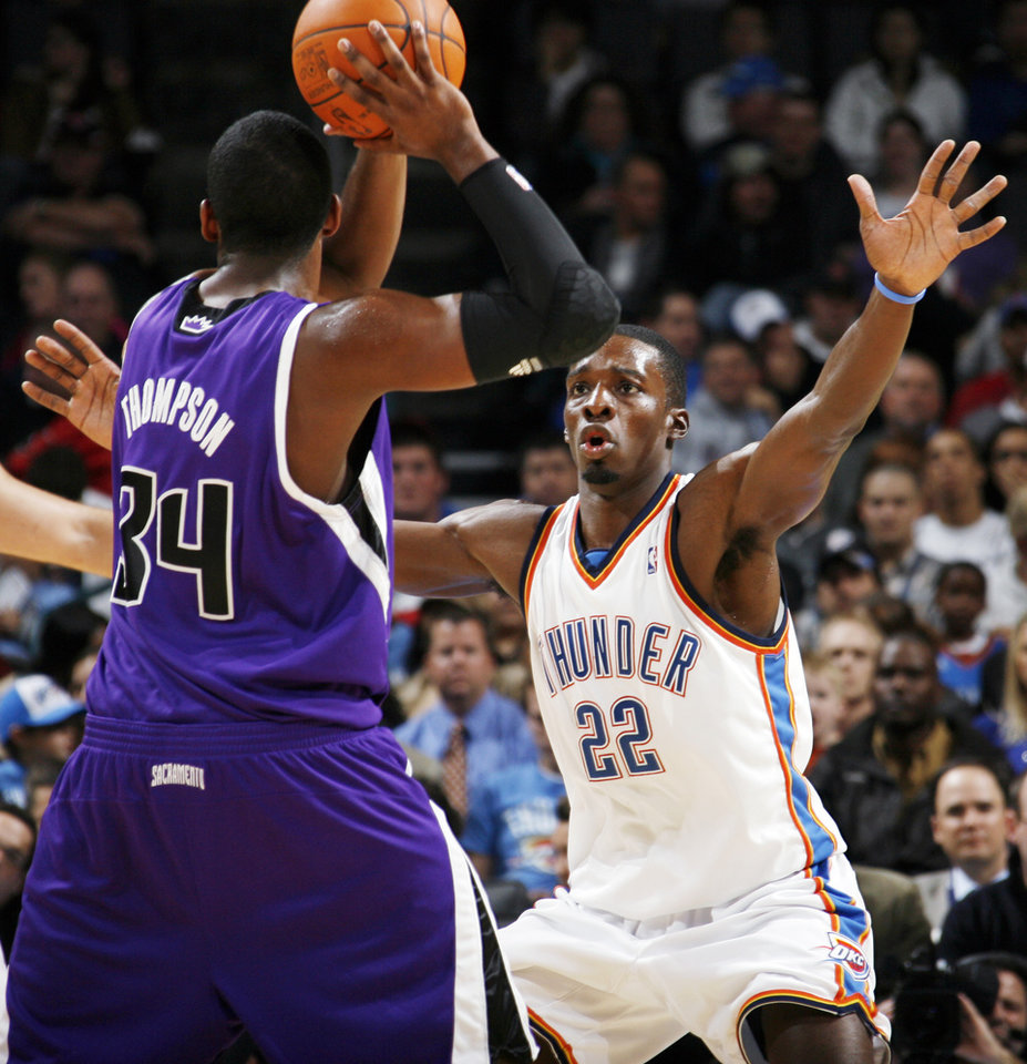 Oklahoma City's Jeff Green (22) defends Jason Thompson (34) of Sacramento during the NBA preseason game between the Sacramento Kings and the Oklahoma City Thunder at the Ford Center in Oklahoma City, Thursday, Oct. 22, 2009. Sacramento won, 104-89. Photo by Nate Billings, The Oklahoman