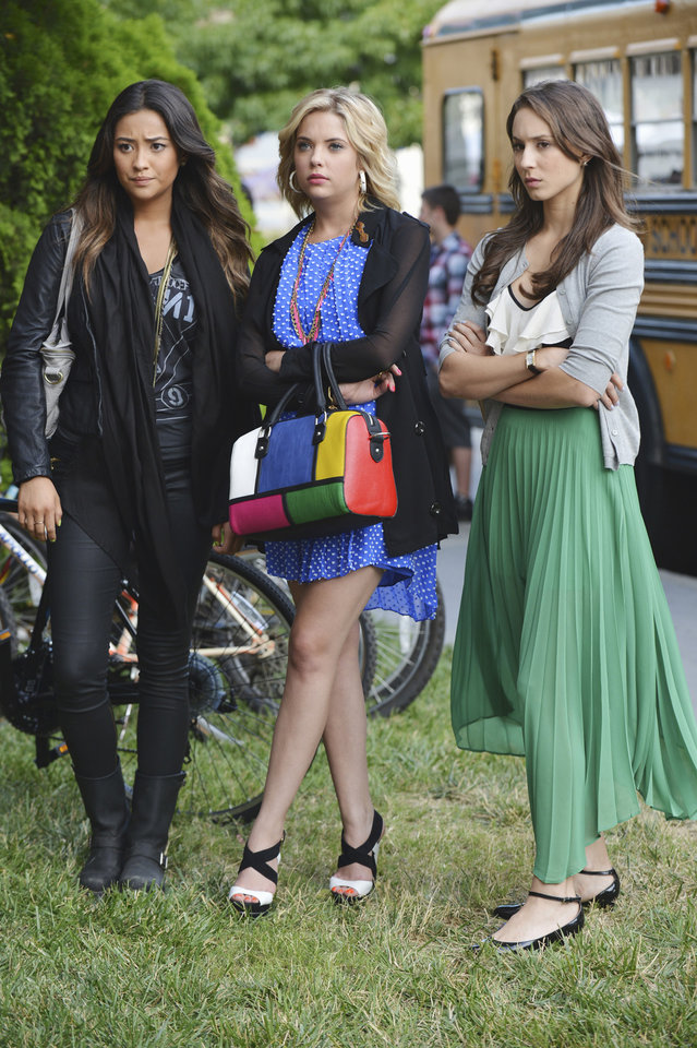 """Photo -  PRETTY LITTLE LIARS - """"She's Better Now"""" - In the mid-season premiere of """"Pretty Little Liars"""" entitled """"She's Better Now,"""" airing Tuesday, January 8th (8:00 - 9:00 PM ET/PT), Radley Sanitarium has given Mona a clean bill of health and she is headed back to the halls of Rosewood High, much to the Liars dismay. With their former tormentor now back in their everyday life, Aria, Emily, Hanna and Spencer take very different views of the """"new"""" Mona. Sure she made their lives a living hell, but is she really cured? And what other secrets could she be holding onto? It is up to Mona to prove to the Liars if she has changed or not. (ABC FAMILY/ERIC MCCANDLESS) SHAY MITCHELL, ASHLEY BENSON, TROIAN BELLISARIO"""