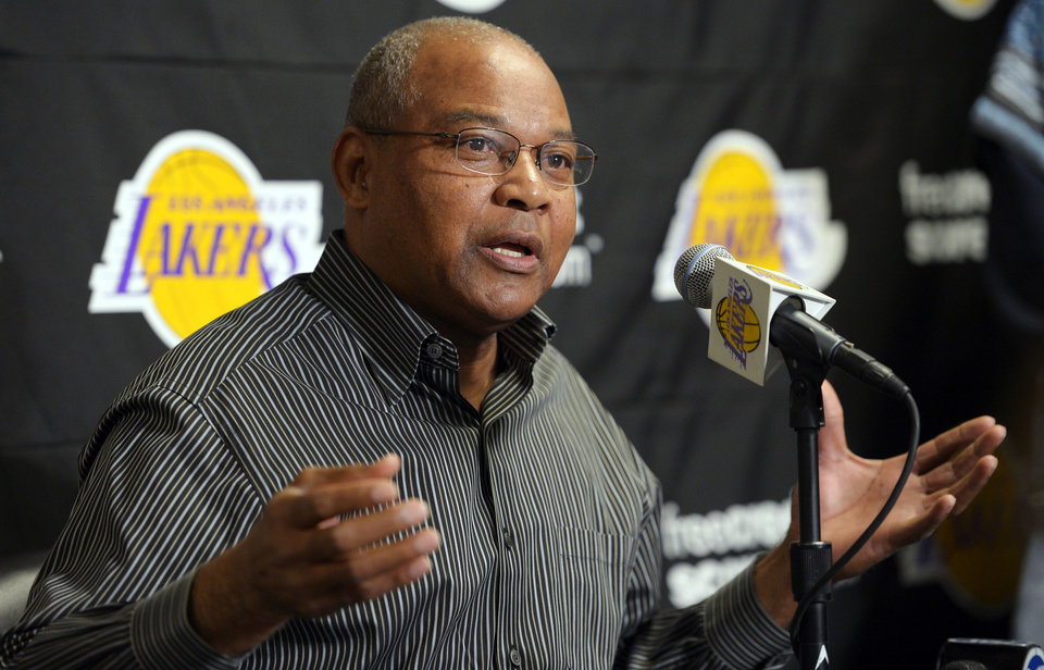 Photo -   Los Angeles Lakers interim head coach Bernie Bickerstaff speaks during a news conference, Friday, Nov. 9, 2012, prior to their NBA basketball game against the Golden State Warriors in Los Angeles. Bickerstaff is sitting in as head coach while the Lakers search for a replacement for Mike Brown who was fired earlier today. (AP Photo/Mark J. Terrill)