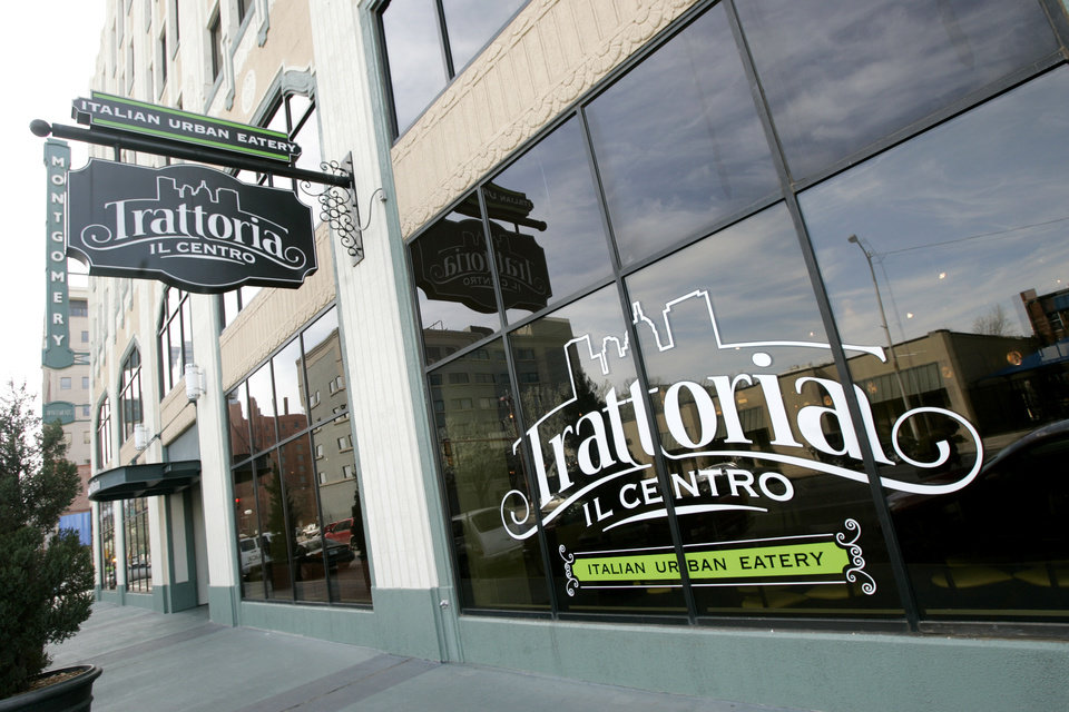 Photo - Trattoria il Centro circa 2009. [The Oklahoman Archives]