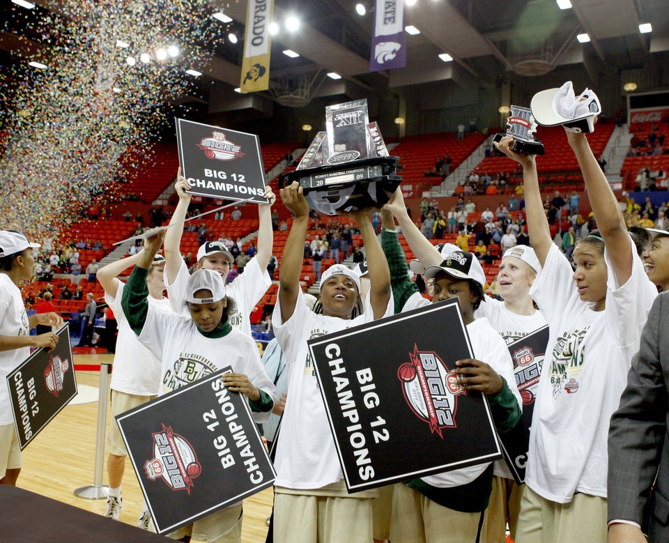 Photo - The Baylor team celebrates their win in the championship game of the Big 12 Women's Basketball Championship between Baylor and Texas A&M at the Cox center in Oklahoma City, Sunday, March 15, 2009. PHOTO BY BRYAN TERRY, THE OKLAHOMAN