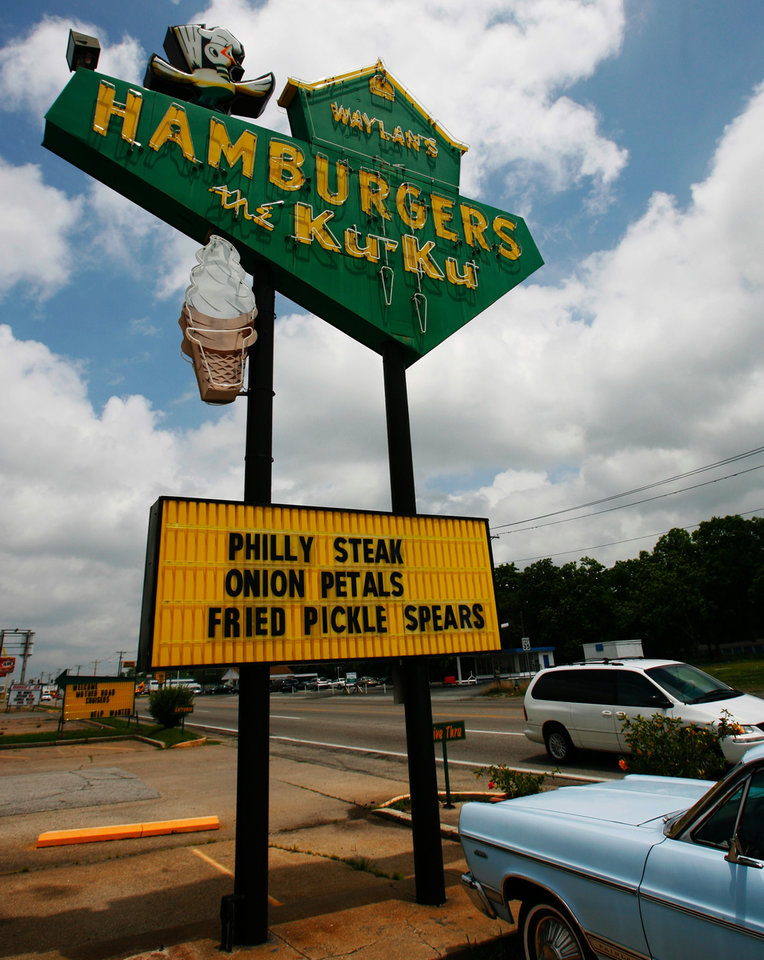 ROUTE 66: Outside Waylin's the Ku-Ku in Miami, Okla., on Monday, June 18, 2007. By James Plumlee, The Oklahoman.