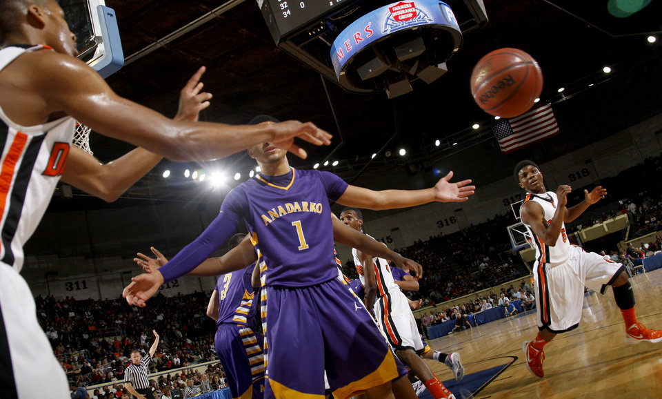 Photo - Stephen Clark of Douglass waits to catch the inbounds pass during the Class 4A boys high school state basketball championship game at State Fair Arena in Oklahoma City, Saturday, March 10, 2012. Photo by Bryan Terry, The Oklahoman