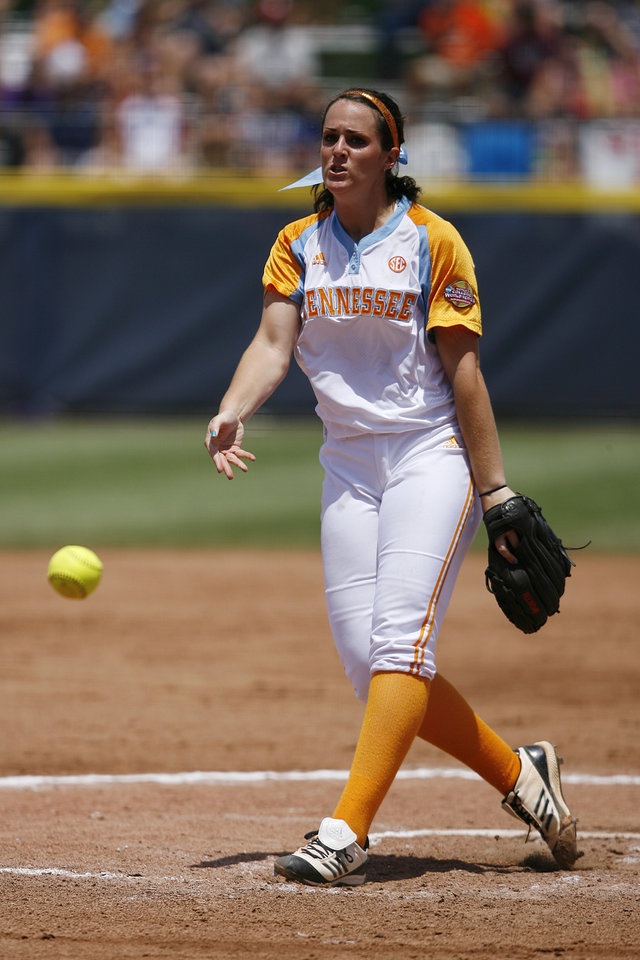 Photo - Tennessee's Ellen Renfroe (13) pitches during a Women's College World Series game between Tennessee and Oregon at ASA Hall of Fame Stadium in Oklahoma City, Saturday, June 2, 2012. Photo by Garett Fisbeck, The Oklahoman