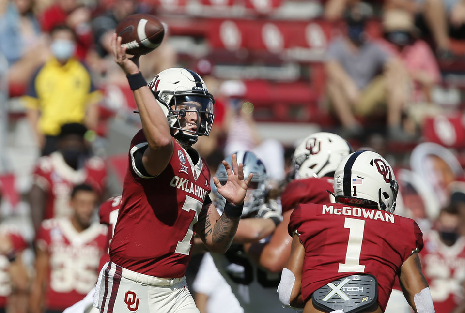 Photo - Oklahoma's Spencer Rattler throws a pass during a college football game between the Sooners and the Kansas State Wildcats on Saturday. [Bryan Terry/The Oklahoman]