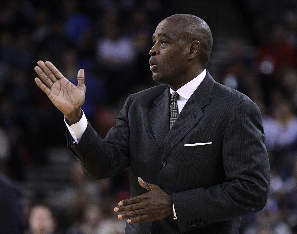 Atlanta Hawks coach Larry Drew gestures from the sideline during the first half of an NBA basketball game against the Golden State Warriors Wednesday, Nov. 14, 2012, in Oakland, Calif. (AP Photo/Ben Margot)