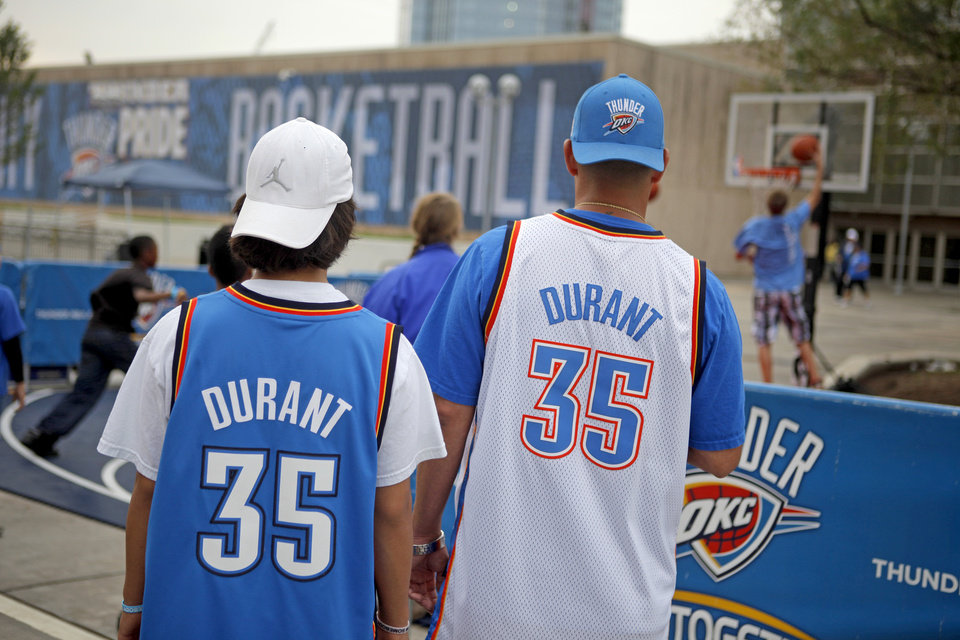 Photo - Fans wait outside the arena before game five of the Western Conference semifinals between the Memphis Grizzlies and the Oklahoma City Thunder in the NBA basketball playoffs at Oklahoma City Arena in Oklahoma City, Wednesday, May 11, 2011. Photo by Bryan Terry, The Oklahoman