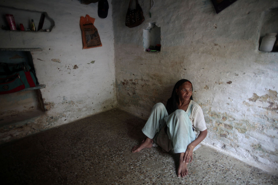 Photo -   In this May 10, 2012 photo, Fatima Munshi sits in her home in Khandwa, India. Living in Australia, Saroo Brierley, 30, was reunited with his biological mother, Munshi, in February 2012, 25 years after an ill-fated train ride left him an orphan on the streets of Calcutta. (AP Photo/Saurabh Das)