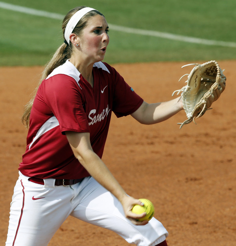 Photo - as the University of Oklahoma Sooner (OU) softball team plays Tennessee in game two of the NCAA super regional at Marita Hynes Field on May 24, 2014 in Norman, Okla. Photo by Steve Sisney, The Oklahoman