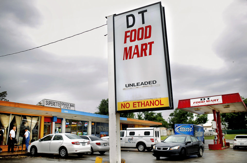 Photo -  For many Valley Brook residents, DT Food Mart is the only place within walking distance to buy a loaf of bread or gallon of milk.     Jim Beckel -  THE OKLAHOMAN
