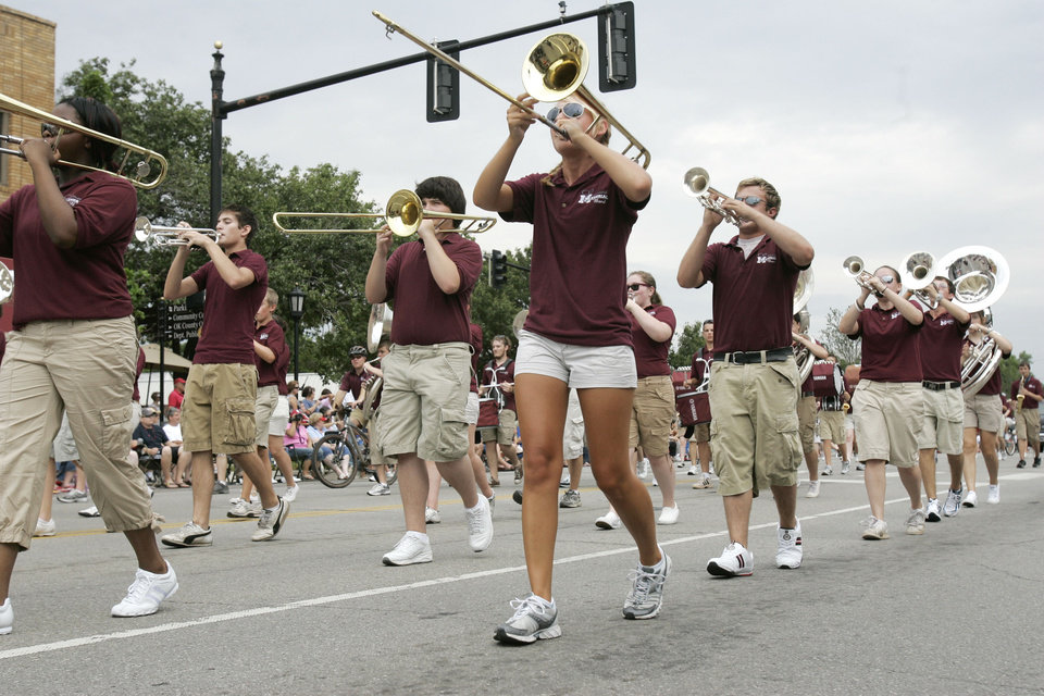 The Edmond Memorial High School Band marches in the LibertyFest Parade in downtown Edmond, OK, Saturday, July 4, 2009. By Paul Hellstern, The Oklahoman
