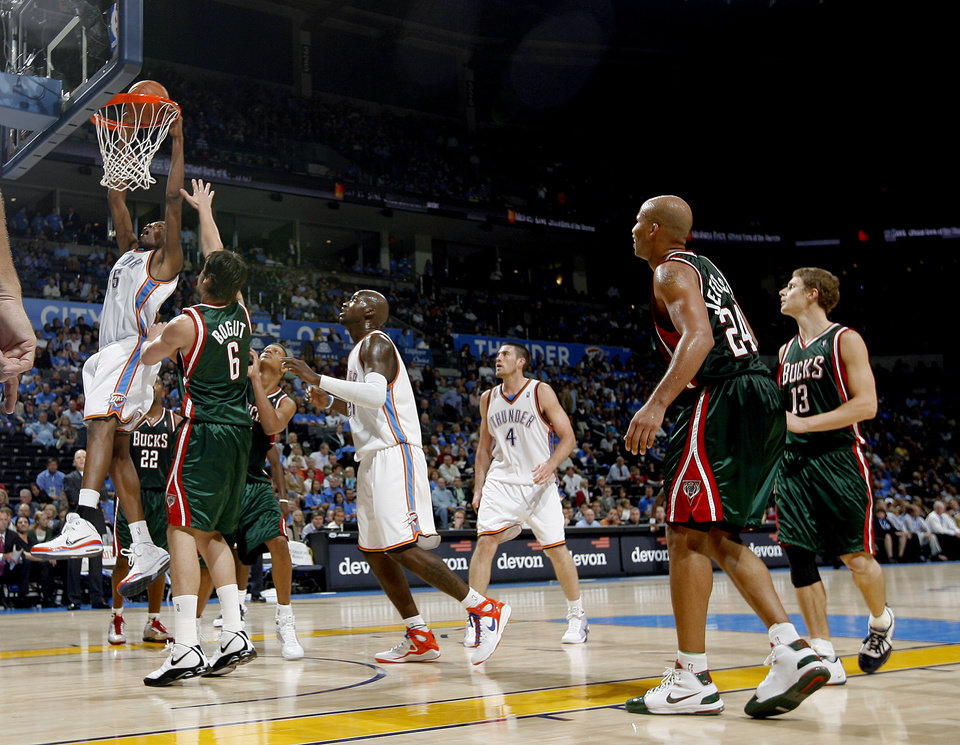 Kevin Durant of Oklahoma City dunks during the opening NBA basketball game between the Oklahoma City Thunder and the Milwaukee Bucks at the Ford Center in Oklahoma City, Wednesday, October 29, 2008.  BY BRYAN TERRY, THE OKLAHOMAN