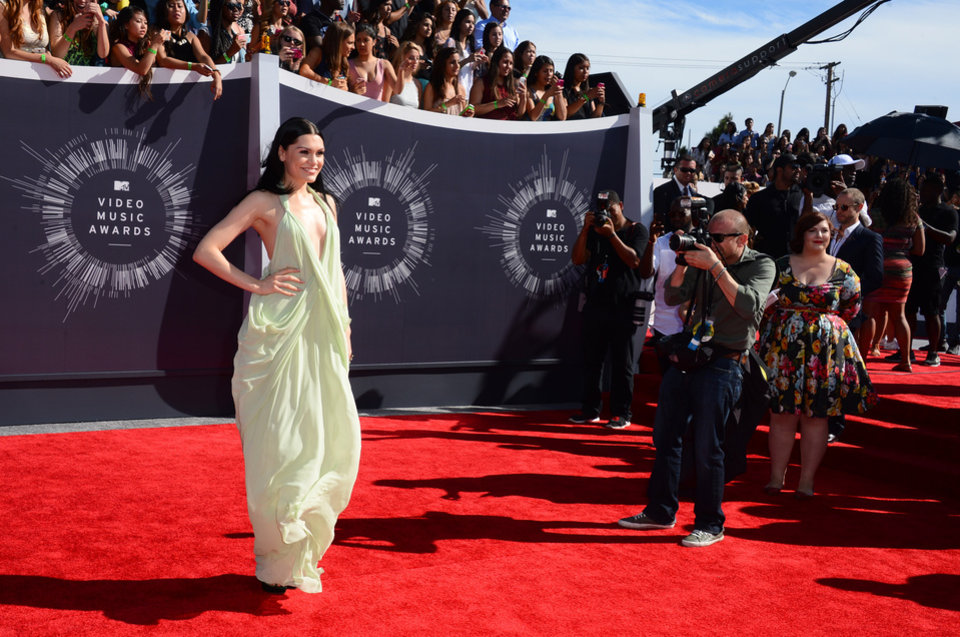 Photo - Jessie J arrives at the MTV Video Music Awards at The Forum on Sunday, Aug. 24, 2014, in Inglewood, Calif. (Photo by Jordan Strauss/Invision/AP)