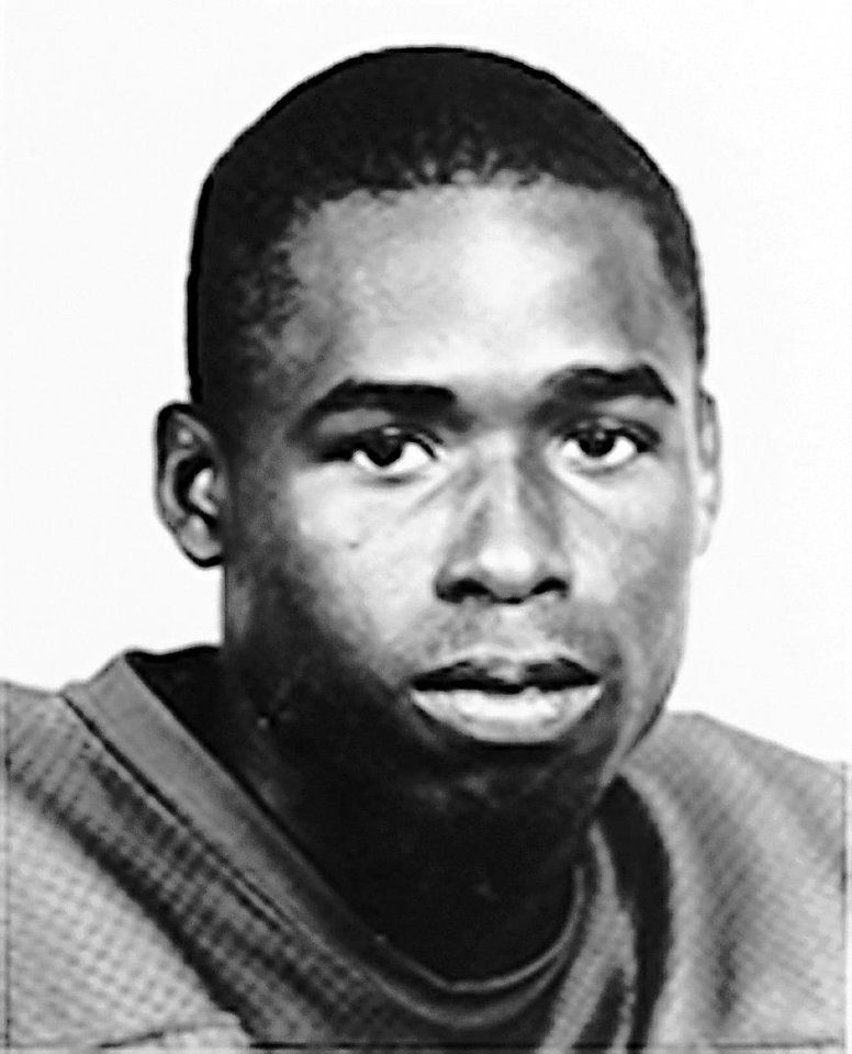 Photo - Lonnie Finch, University of Oklahoma (OU) college football player		ORG XMIT: 1001302123316602