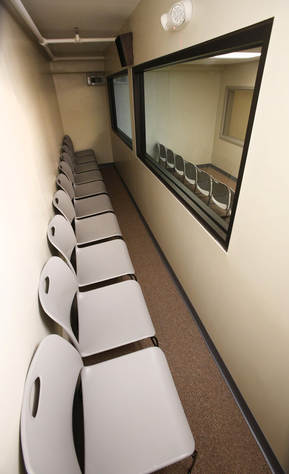 Photo - Victim's viewing area of the execution chamber at the Oklahoma State Penitentiary in McAlester, October 9, 2014. Photo by David McDaniel