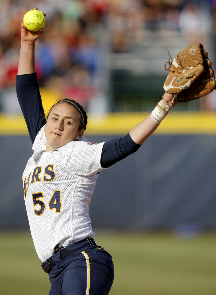 California's Jolene Henderson pitches against Oklahoma during a Women's College World Series game at ASA Hall of Fame Stadium in Oklahoma City, Friday, June 1, 2012.  Photo by Bryan Terry, The Oklahoman