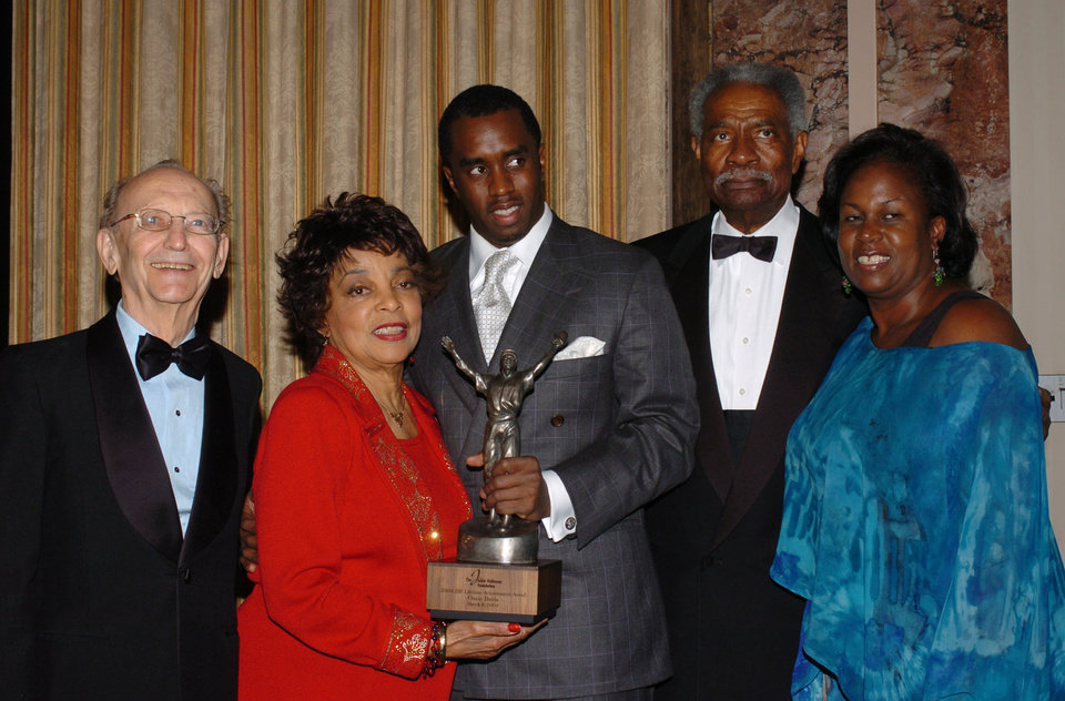 Photo - FILE - In this March 8, 2004 file photo, from left, hotel industrialist J.W. Marriot, actress Ruby Dee, Sean