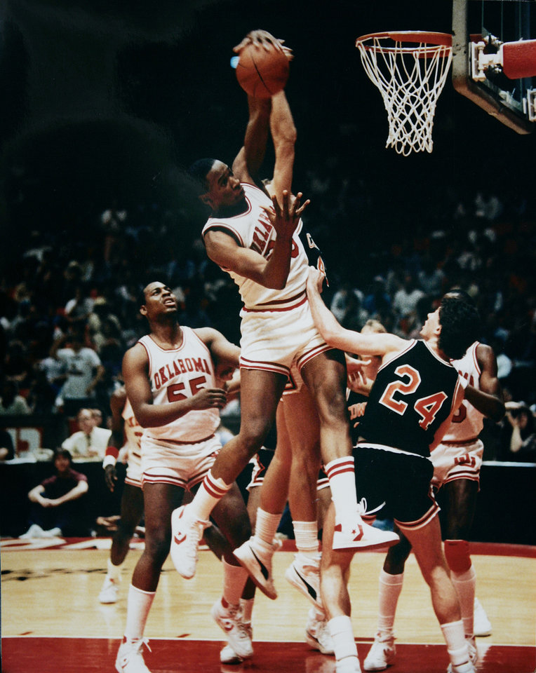 Photo - Former OU basketball player Wayman Tisdale. OU-OSU 1985. ORG XMIT: KOD