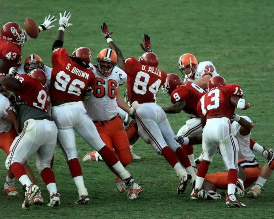 The Sooners\' block of a Syracuse field-goal attempt preserved a 36-34 victory and inspired OU fans to storm the field in 1997. It was OU\'s third victory in 12 games under John Blake. - PHOTO BY STEVE SISNEY, THE OKLAH