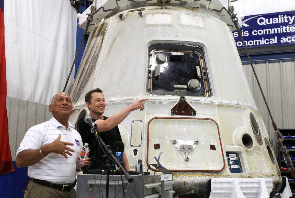 NASA chief views history-making SpaceX capsule | News OK