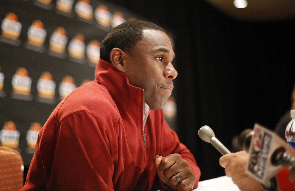 Photo - Stanford's Derek Mason talks to the media during a Stanford press conference for the Insight Bowl at the Camelback Inn in Paradise Valley, Ariz.,  Thursday, Dec. 29, 2011. Photo by Sarah Phipps, The Oklahoman