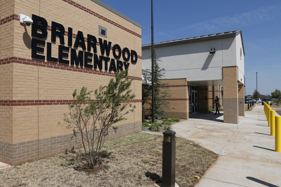 Photo -  This is the newly rebuilt Briarwood Elementary School at 14901 S Hudson in Oklahoma City.    PAUL HELLSTERN -  Oklahoman