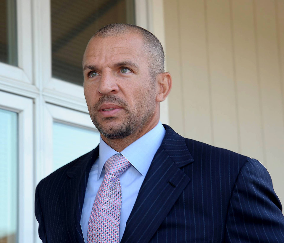 Photo -   New York Knicks' Jason Kidd walks into the Southampton Town Court, Wednesday, Sept. 12, 2012, in Hampton Bays, N.Y. Kidd intends to fight a charge that he was drunk when he crashed his SUV into a telephone pole in the Hamptons over the summer, his lawyer said Wednesday. His next court appearance is Nov. 7. (AP Photo/Newsday, John Roca)