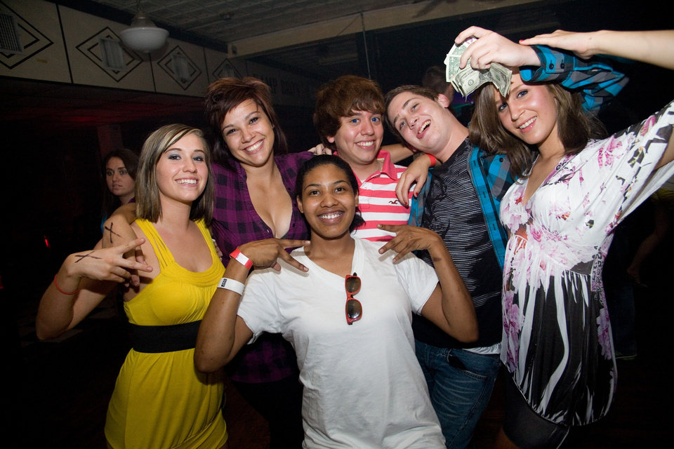 Katlin, Alexis, Carlos, Belinda, Georgia and Colton
