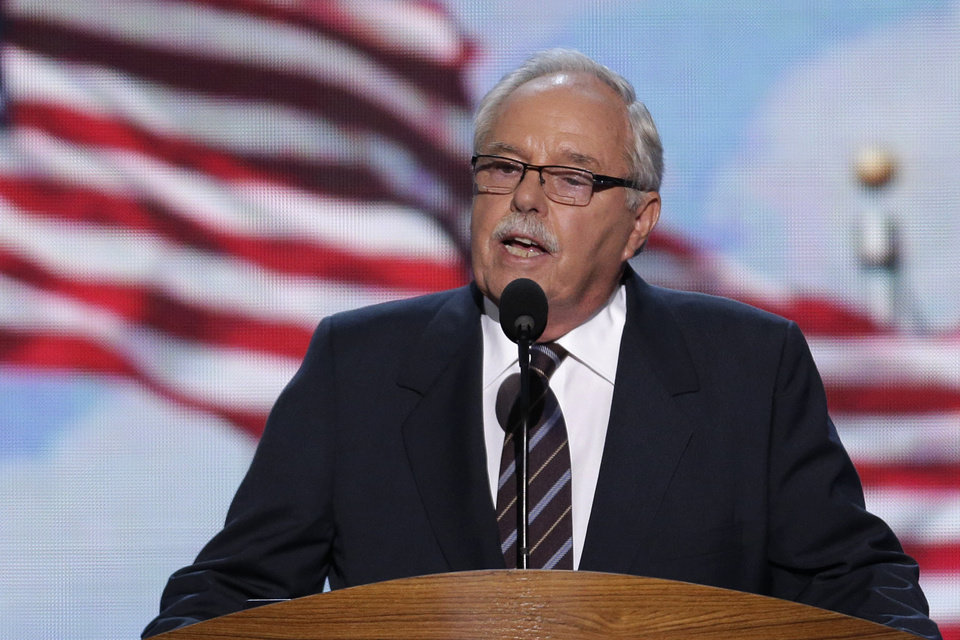 Photo - Costco co-founder and former CEO Jim Sinegal addresses the Democratic National Convention in Charlotte, N.C., on Wednesday, Sept. 5, 2012. (AP Photo/J. Scott Applewhite)  ORG XMIT: DNC170