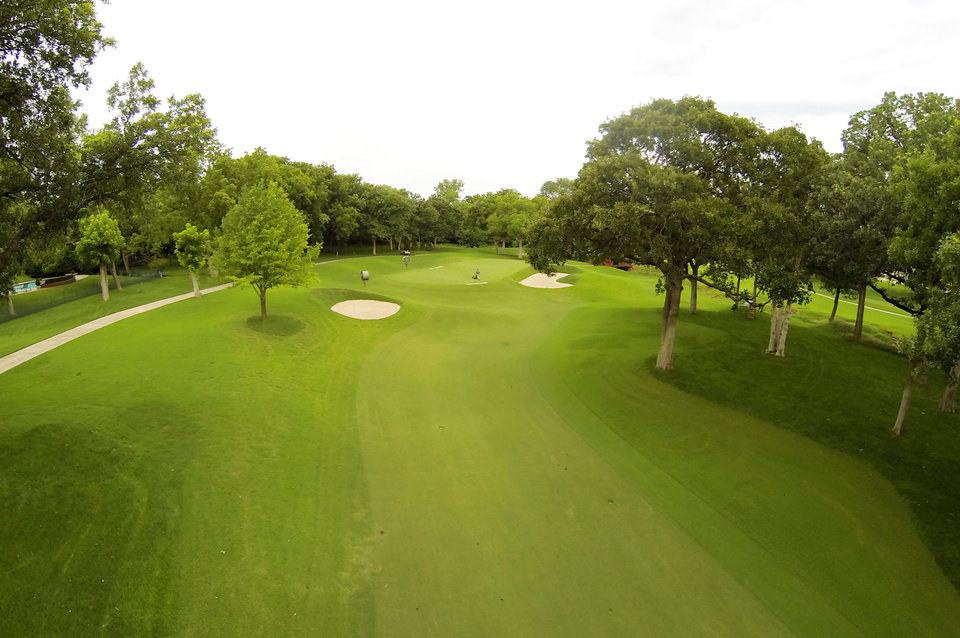 Photo - 6th green. Aerials of Oak Tree National course in Edmond, site of the 2014 U.S. Senior Open, Tuesday, July 1, 2014. Photo by Carl Shortt, Jr., for The Oklahoman