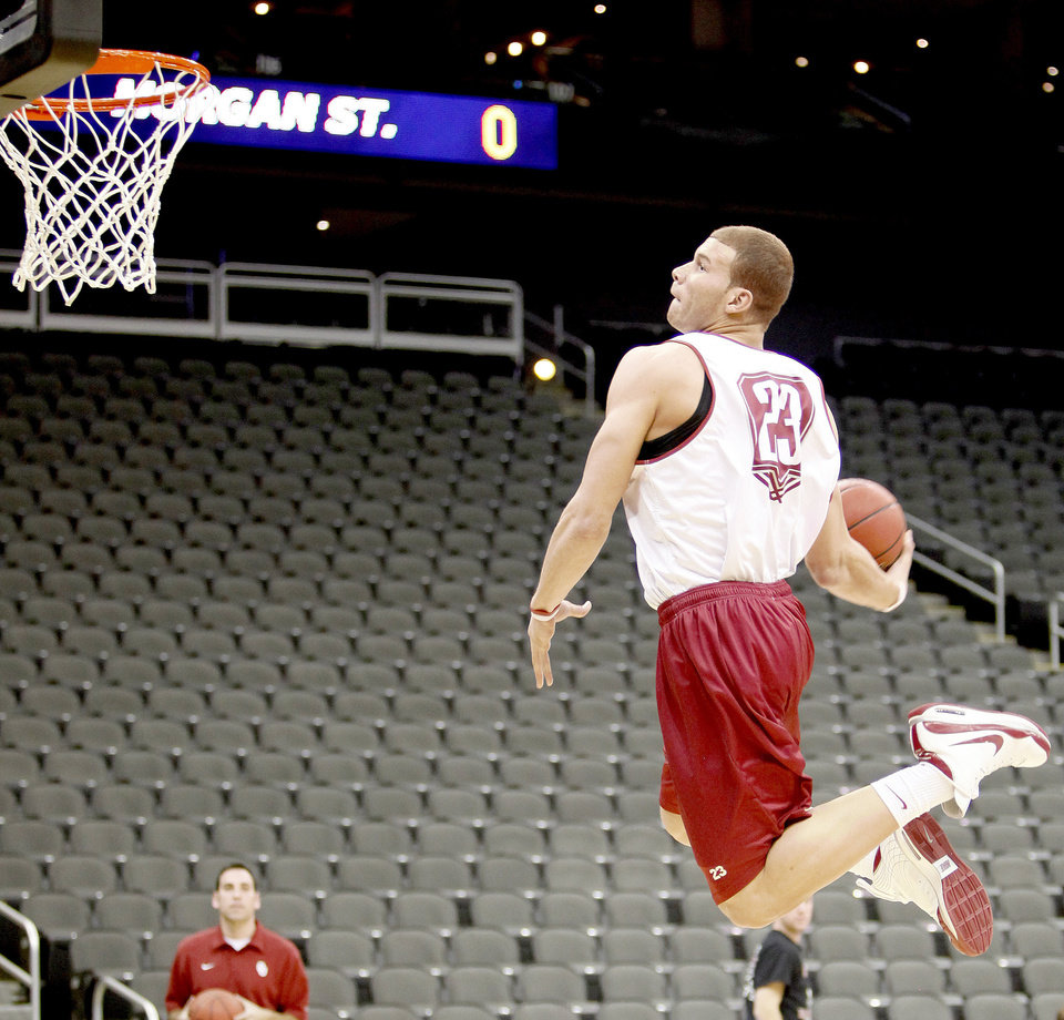 OU's Blake Griffin dunks the ball during practice in Kansas City, Mo., on Wednesday. PHOTO BY BRYAN TERRY, THE OKLAHOMAN