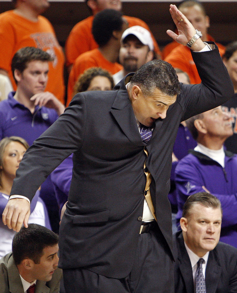 Photo - KSU head coach Frank Martin reacts during the men's college basketball game between Oklahoma State University (OSU) and Kansas State University (KSU) at Gallagher-Iba Arena in Stillwater, Okla., Saturday, January 8, 2011. Photo by Nate Billings, The Oklahoman