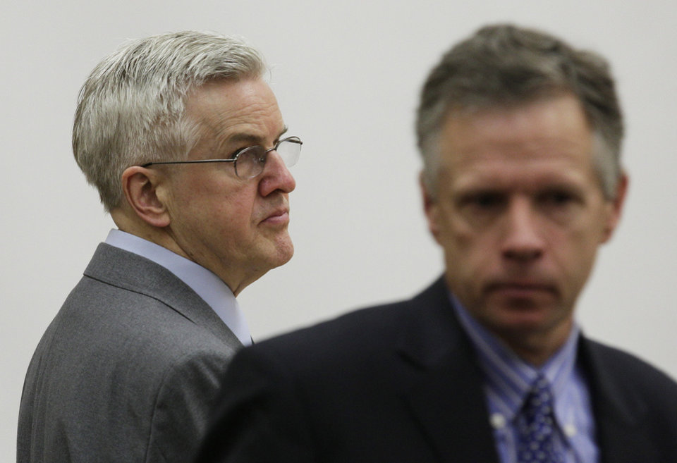 Photo -   Steve Powell, left, stands near Mark Quigley, right, his attorney, following closing arguments in Powell's voyeurism trial, Tuesday, May 15, 2012, in Tacoma, Wash. Powell is the father-in-law of missing Utah mother Susan Powell. (AP Photo/Ted S. Warren)