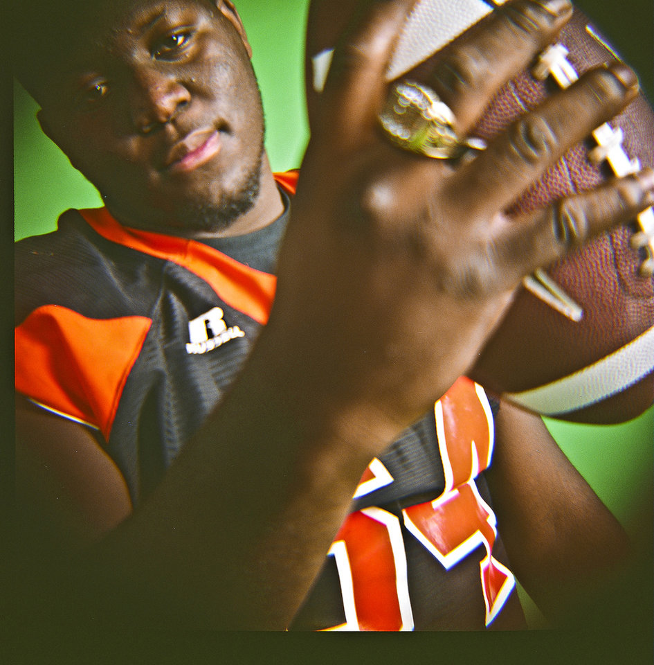 Calvin Barnett of Booker T. Washington High School on Monday, Dec. 14, 2009, in Oklahoma City, Okla.   Photo by Chris Landsberger, The Oklahoman