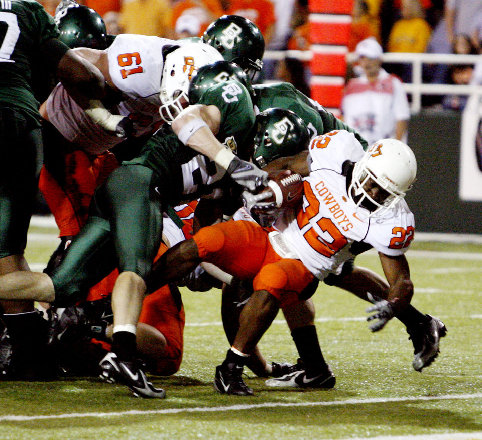 OSU: Dantrell Savage scores during the second half of the  college football game between Oklahoma State University and Baylor University at Floyd Casey Stadium in Waco, Texas, Saturday, Nov. 17, 2007. BY STEVE SISNEY, THE OKLAHOMAN ORG XMIT: KOD