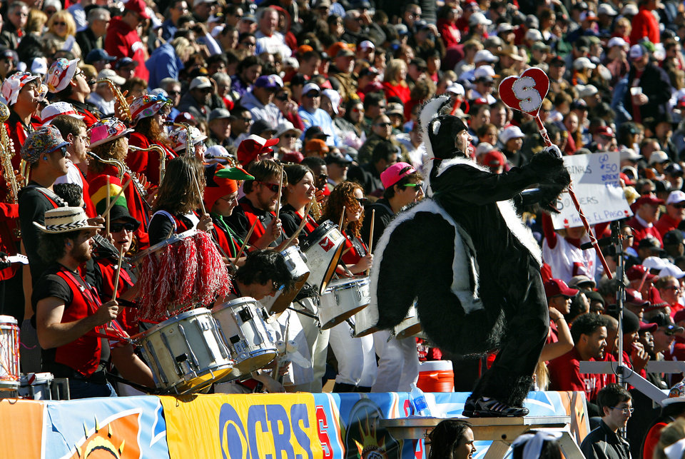 The Stanford bands performs during the first half of the Brut Sun Bowl college football game between the University of Oklahoma Sooners (OU) and the Stanford University Cardinal on Thursday, Dec. 31, 2009, in El Paso, Tex.   Photo by Chris Landsberger, The Oklahoman