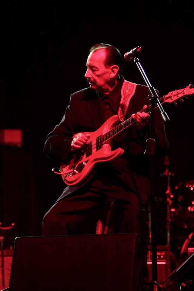 Nokie Edwards of The Ventures performs at the 2011 Oklahoma Music Hall of Fame. Photo by Jay Spear